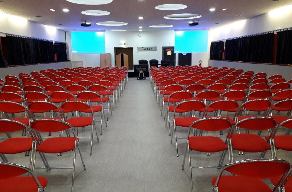 Salle pour conférence de 250 personnes