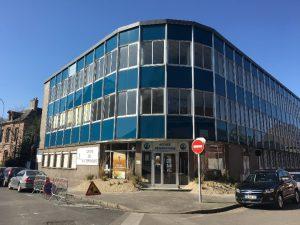 Façade Centre des entrepreneurs Abbeville bureaux à louer